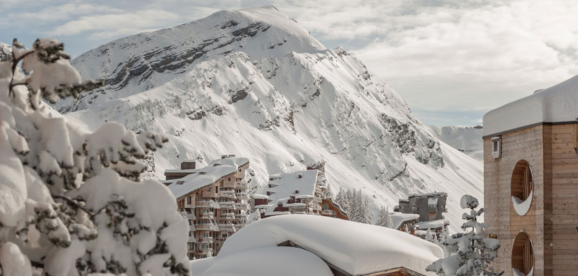 France_Portes-du-Soleil-Ski-Area_Avoriaz_Mountain-view.jpg